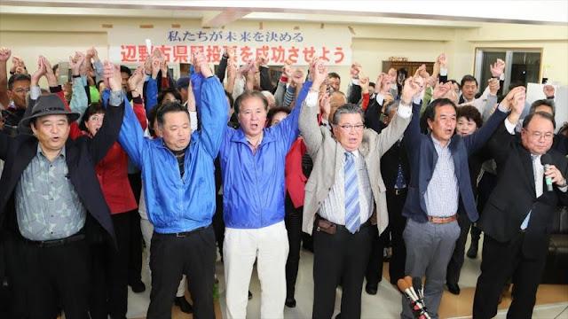 Japoneses votan en contra de base de EEUU en Okinawa
