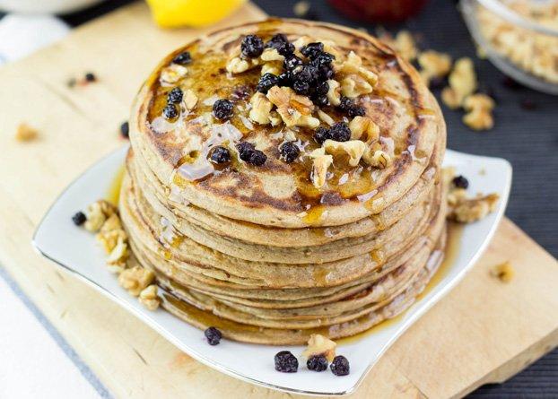 Clatite / pancakes vegane cu fulgi de ovaz si banane
