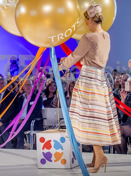 Dutch Queen Maxima wore NATAN Skirt, Natan shoes and Natan top at opening of Youth Professionals congress