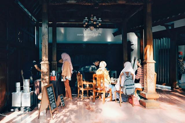 coffee shop artsy di jakarta