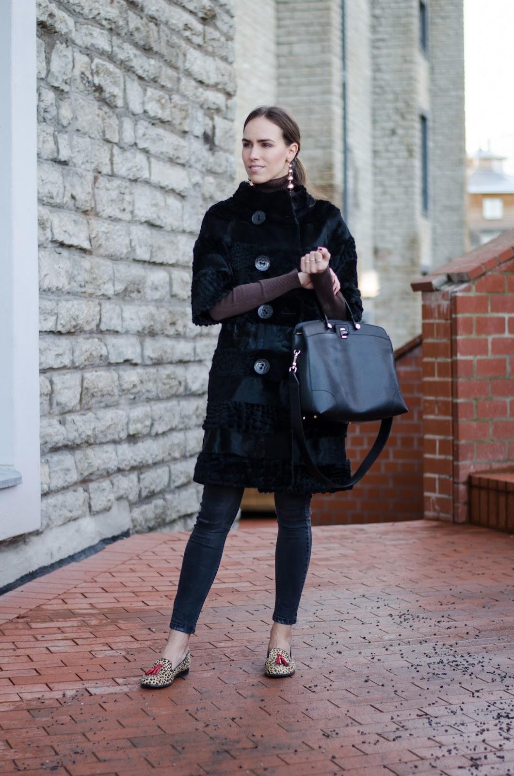 kristjaana mere black fur coat jeans outfit