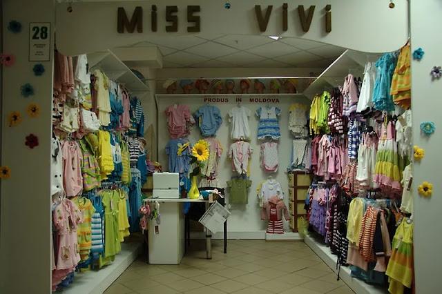 Thiết kế shop thời trang nhỏ đẹp - Mẫu số 11