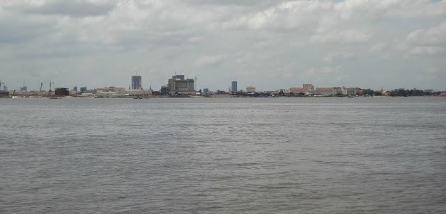Phnom penh vista desde el rio Mekong
