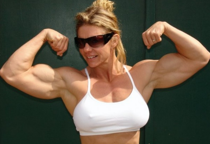Girls with Muscle, Rebekka Armstrong, biographie