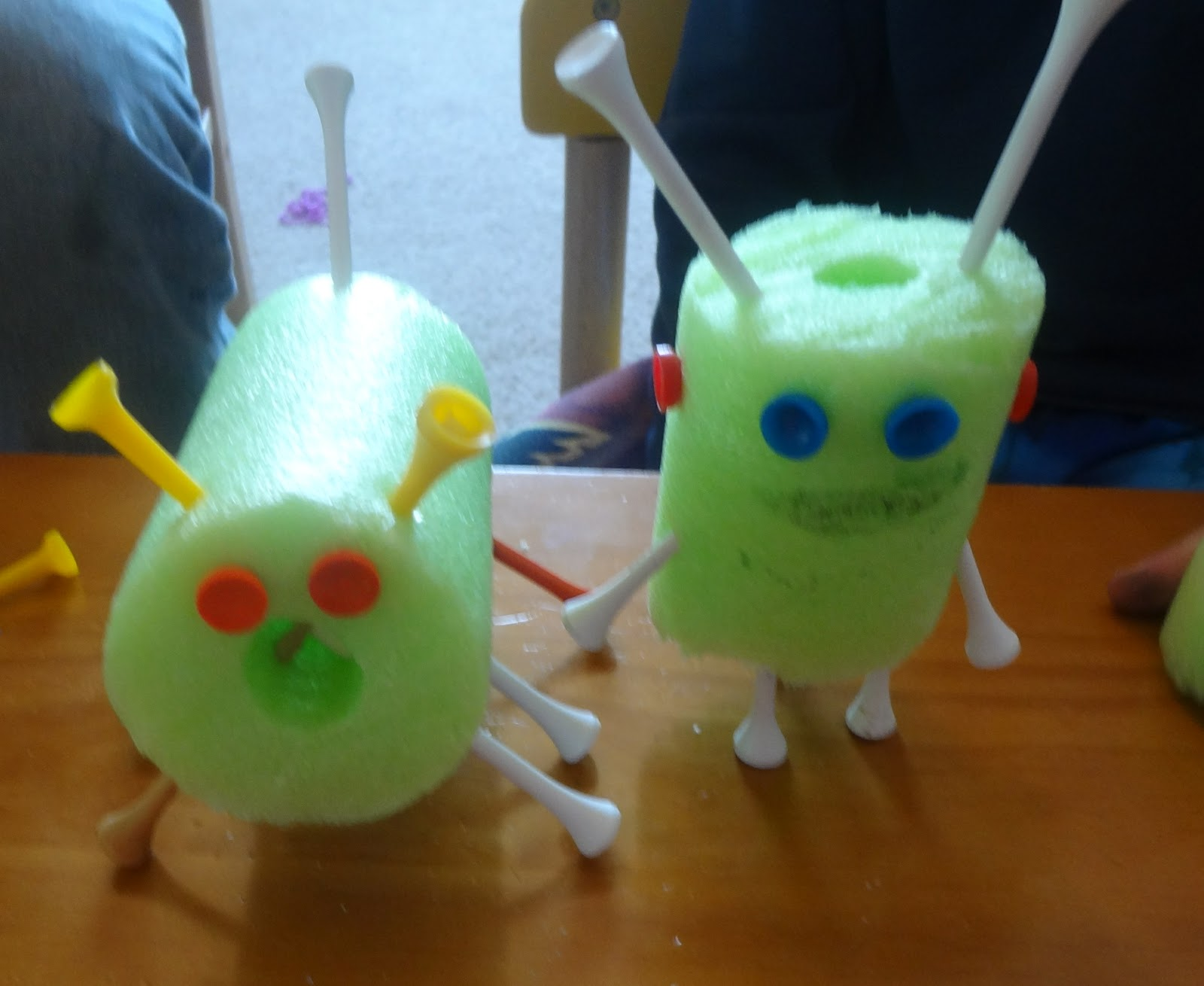 Painting With Pool Noodles For a Fun Project Is Easy Art ...  |Art Bot Pool Noodle