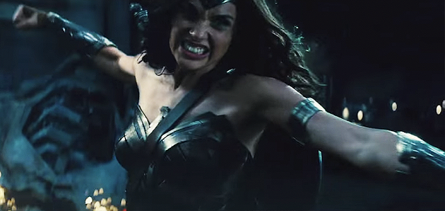 Wonder Woman (Gal Gadot), în Batman V Superman: Dawn Of Justice