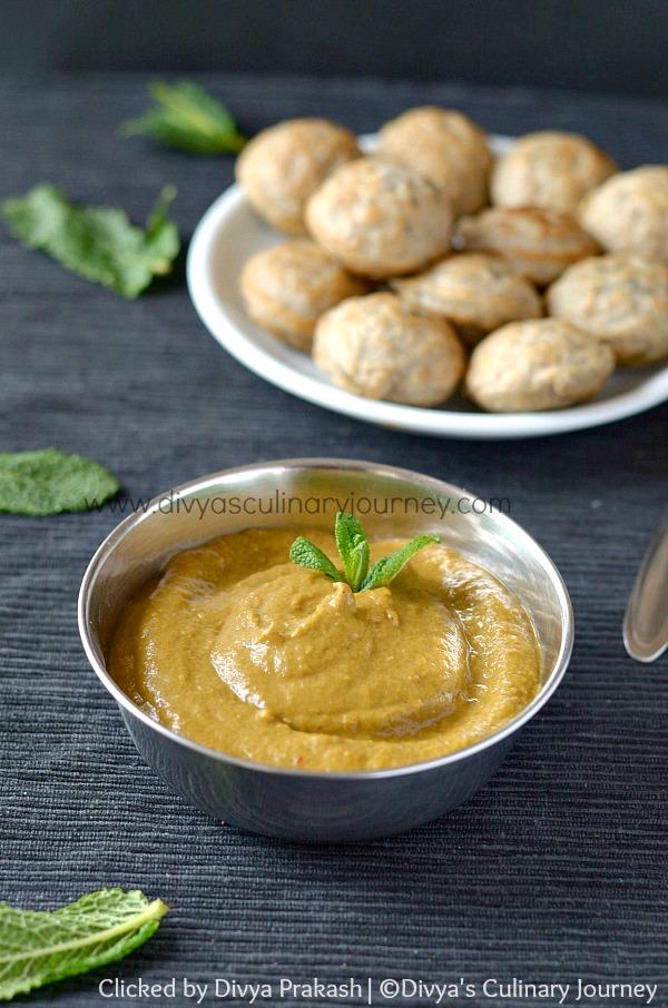 mint tomato chutney, chutney for idli/ dosa, pudhina chutney
