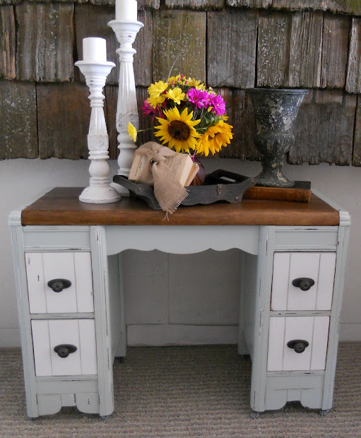 Createinspire Two-tone Antique Vanity Desk