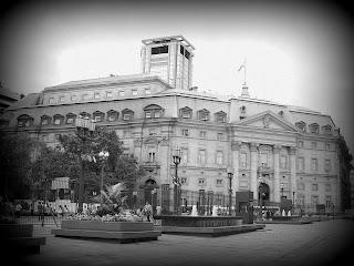 O Banco de la Nación Argentina, em Torno da Plaza de Mayo