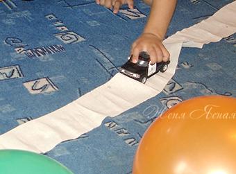день рождение мальчика дома, день рождения поиск подарка