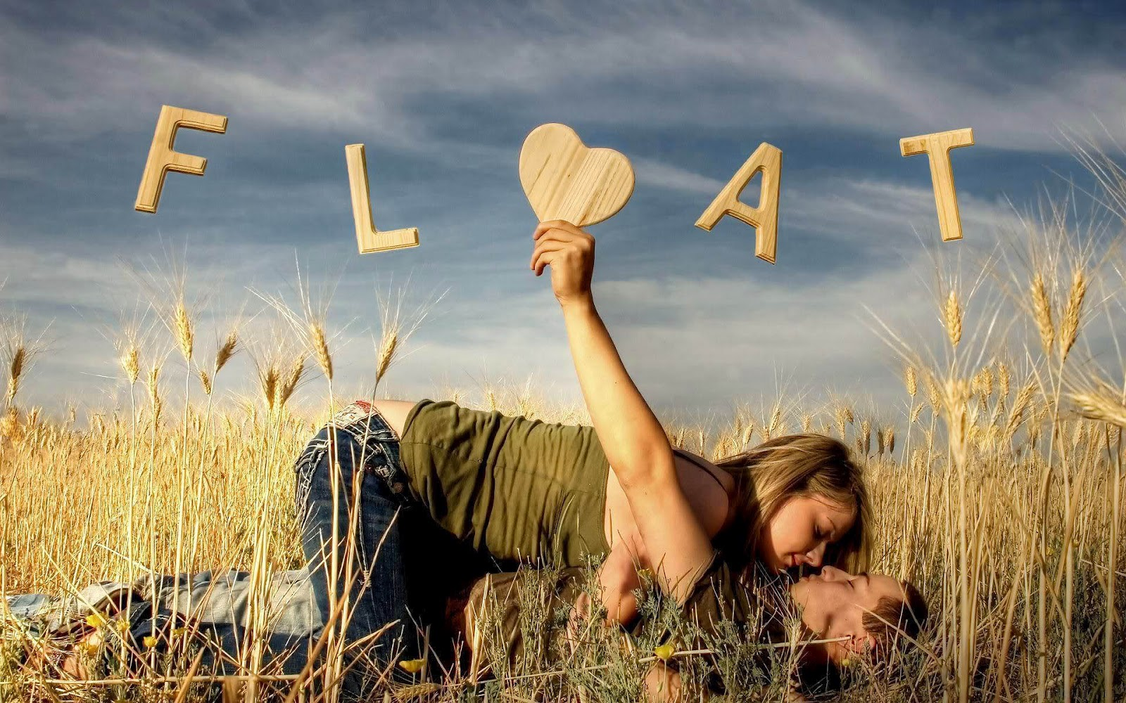 Beautiful Love Couple Kiss Pictures Full HD Wallpapers ou can make Beautiful ...