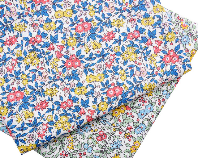 Liberty of London Cottage Garden and More | © Red Pepper Quilts 2018 #sundaystash #quiltingcotton #libertyoflondon