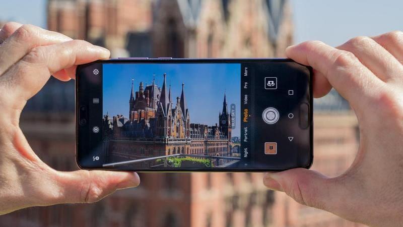 Smartphone dengan Kamera Terbaik dan Terbaru 2018