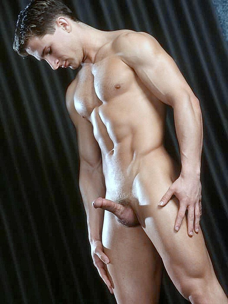 Смотреть видео с голыми парнями — pic 10