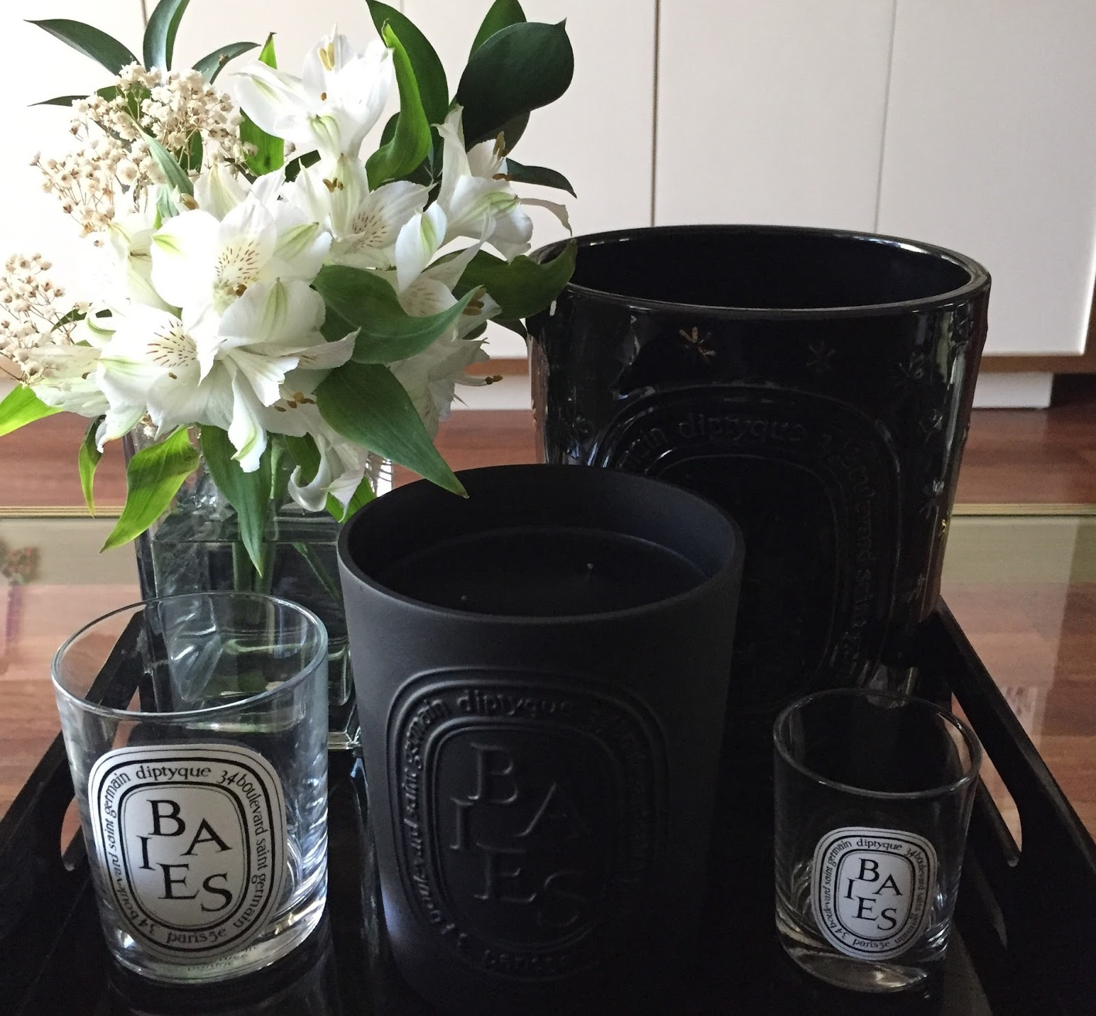 Diptyque: New Baies 600g 3-Wick Candle - of the comely