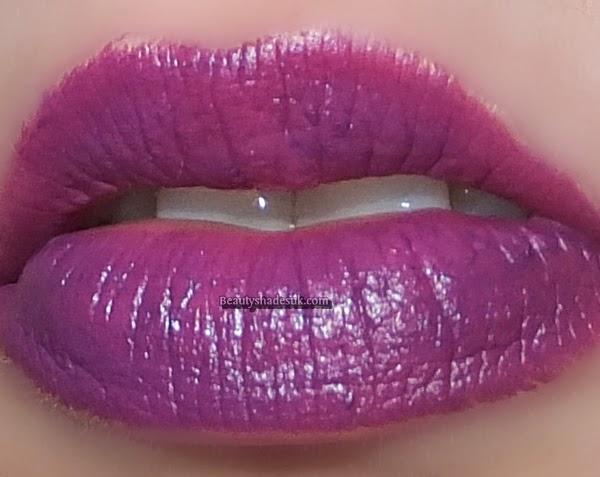 Revlon  Matte Balm Shameless Lip swatch