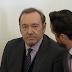 Kevin Spacey fue imputado por abuso sexual a un adolescente y quedó en libertad bajo fianza
