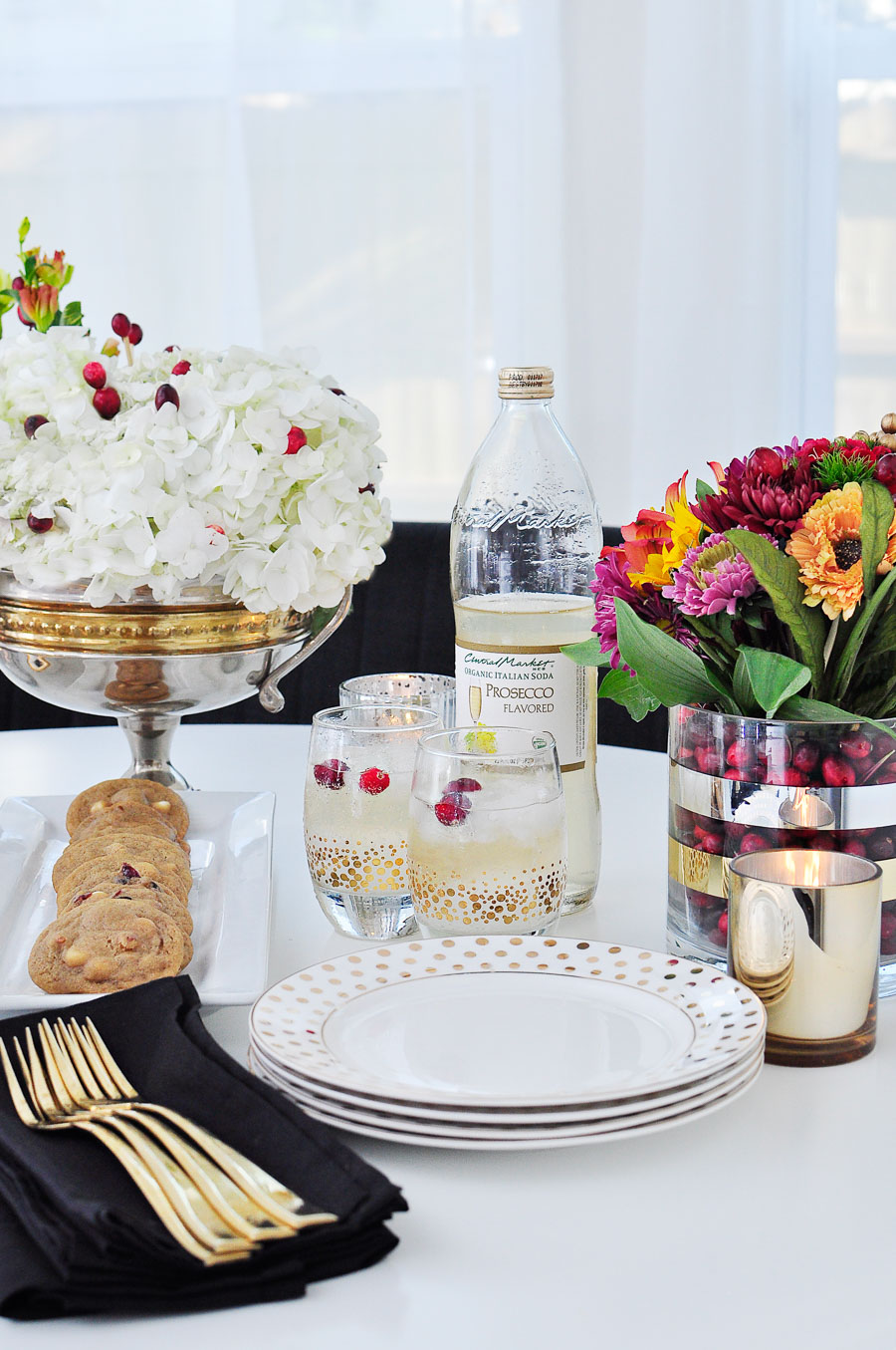 Non-alcoholic prosecco Italian soda paired with other tasty Thanksgiving treats.