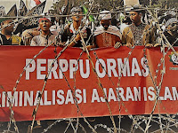 Either You with Us or with Perppu Ormas?