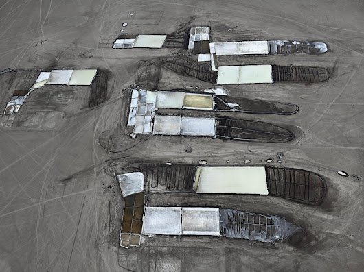 EDWARD BURTYNSKY - Les marais salants de Little Rann of Kutch