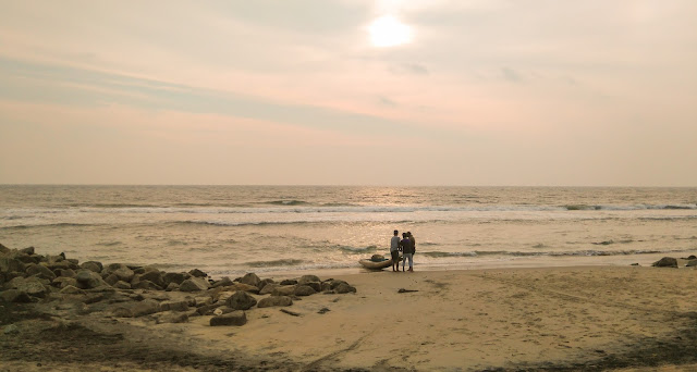 Din Varkala spre Edava, Kerala, India