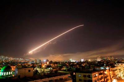 Les Etats-Unis et ses alliés bombardent la Syrie