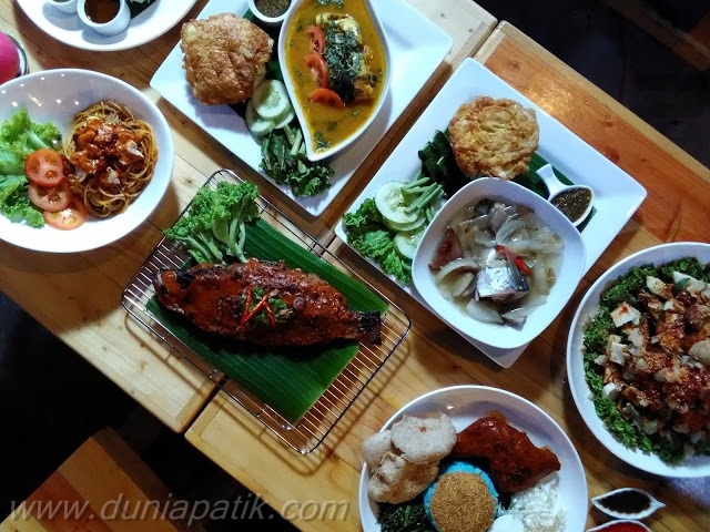 Menu yang dihidangkan di Restoran Suriani Nasi Kukus