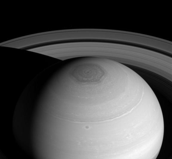 Saturn's Rings, Hexagon on Display in Amazing Photo