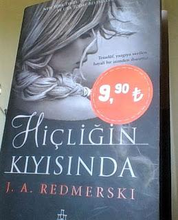 Sürükleyici bir roman.