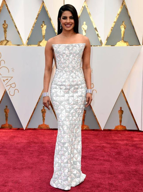Priyanka Chopra at Oscars 2017 (2).jpg