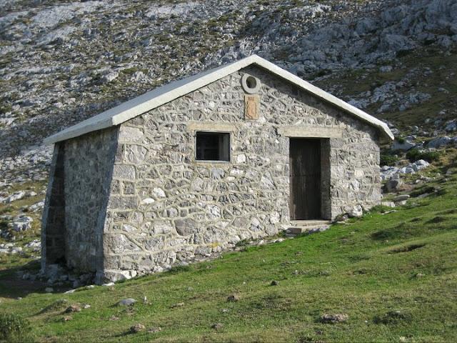 Refugio ICONA, en las cercanías del Mirador