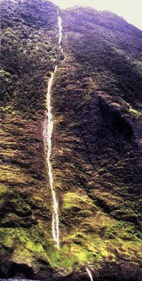 Gambar air terjuan Olo'upena Falls_USA