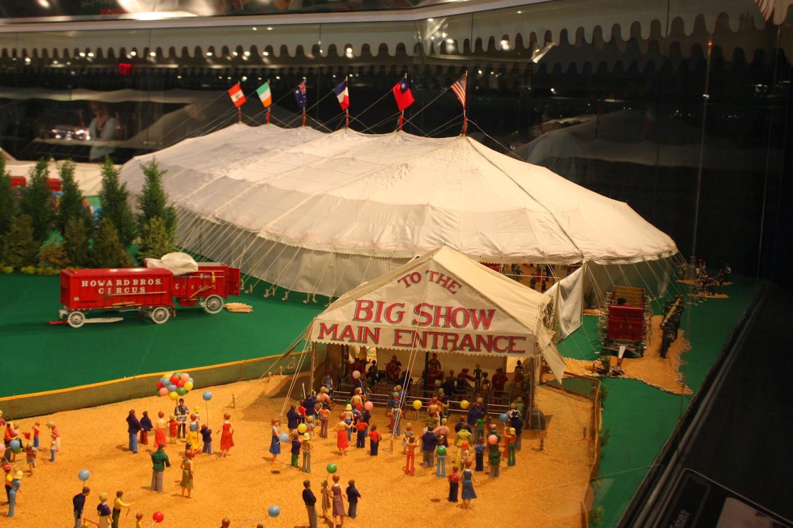 Howard Brothers Circus Model
