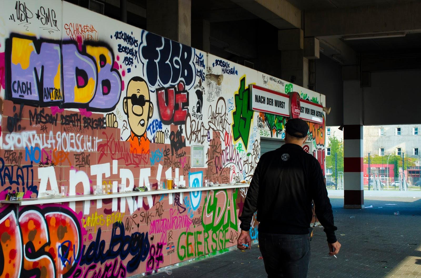 street art in st pauli stadium