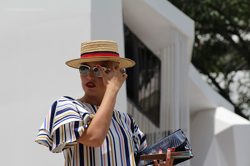 como-una-aparición-street-style-fashion-moda-accessories-canotier-sunglasses-stripes-street-looks-make-up-clutch-fan-colombian-bloggers-colombiamoda