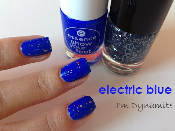 ESSENCE - ELECTRIC BLUE & GLITTER