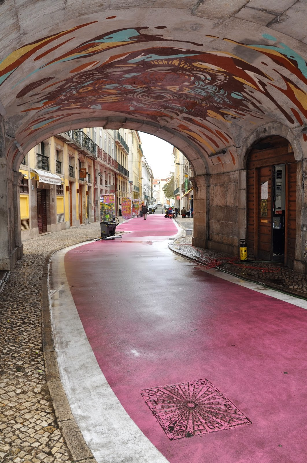 iolanda andrade The pink street in Cais do Sodr area