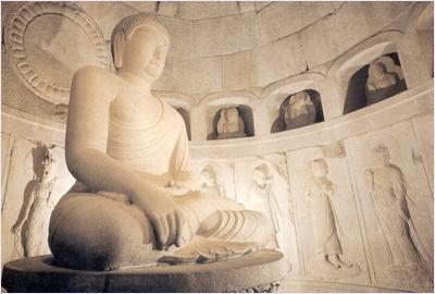 พระพุทธรูปในถ้ำช็อกกูรัม (Seokguram Grotto)