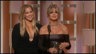 Globos de Oro 2017 - Unas hilarantes Amy Schumer y Goldie Hawn entregan el premio a un emotivo Ryan Gosling