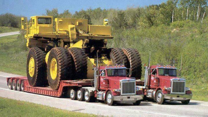 Transportando enormes tratores