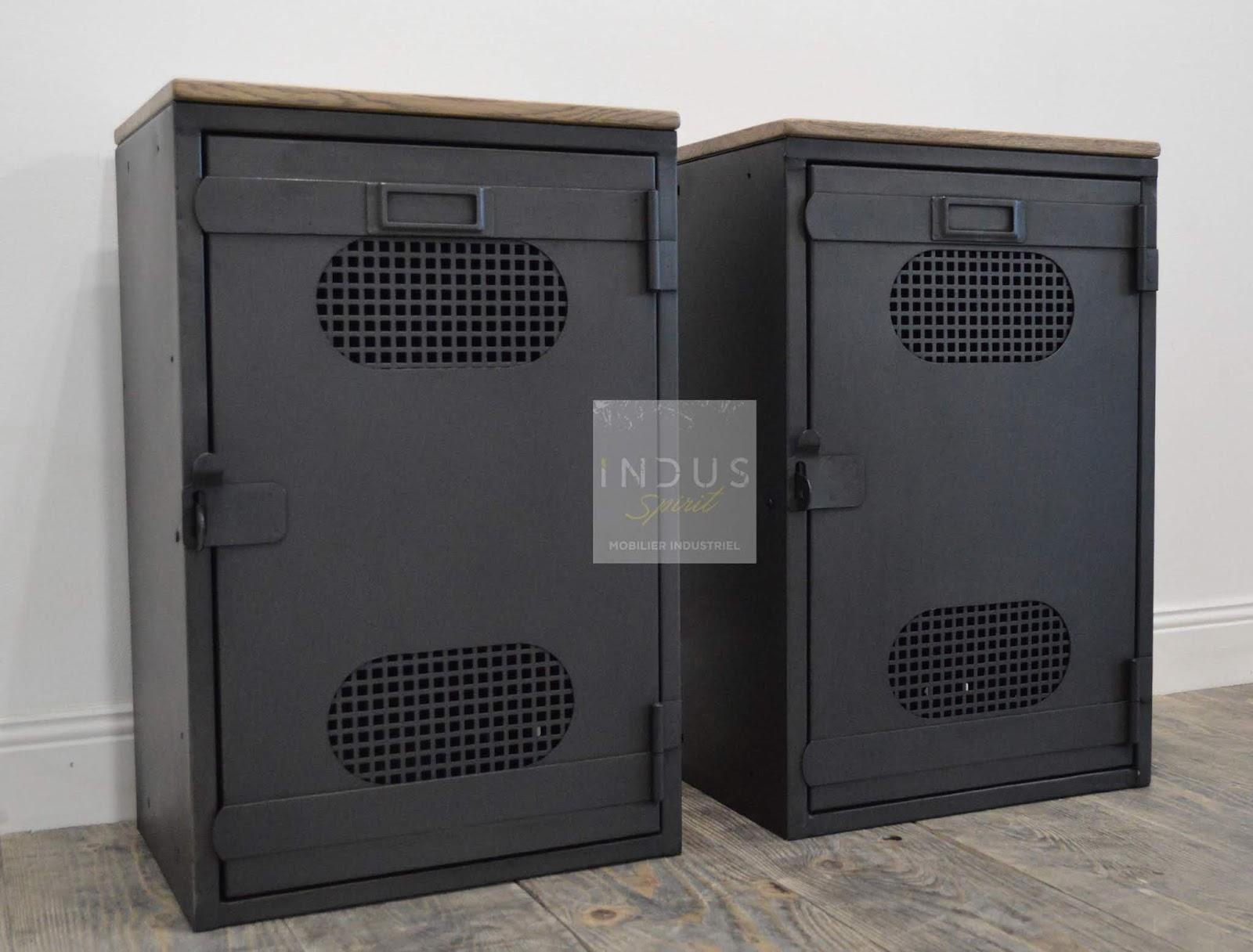 table de chevet style industriel m tal et bois. Black Bedroom Furniture Sets. Home Design Ideas