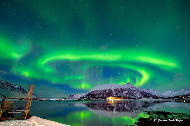 Aurora Boreal en Lofoten, por El Guisante Verde Project