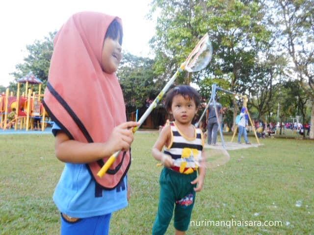 belon sabun,main di taman permainan,anak-anak,parenting blogger