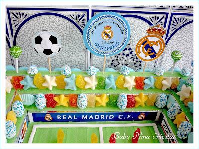 tarta de chuches campo de futbol comunion Real Madrid
