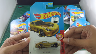 Hot Wheels Super Treasure Hunt 2013 SRT Viper