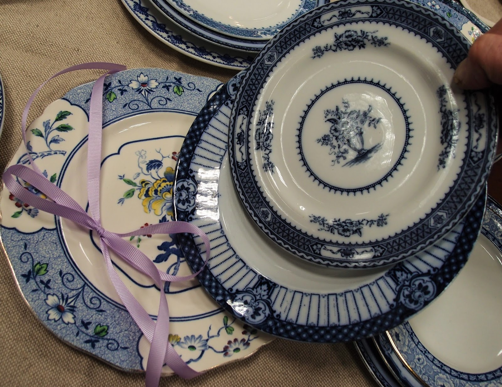 Servizi da tavola antichi porcellane inglesi antiche for Piccoli piani domestici tradizionali