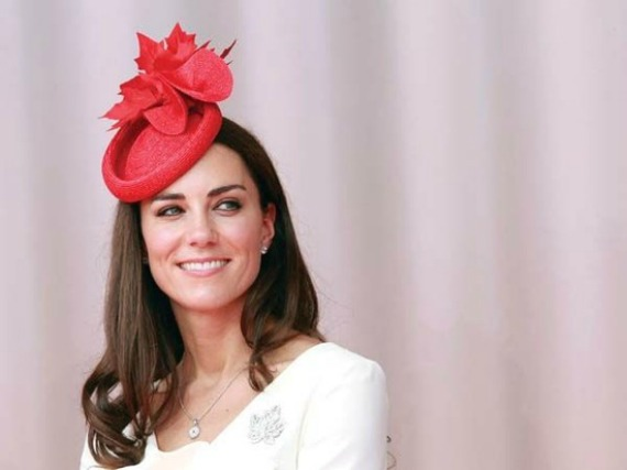 Guest At A Royal Wedding Oh Yes You Must Sport Cly Headdress Or Crazy Erflies How Can I Convince My Guests To Wear Fascinator