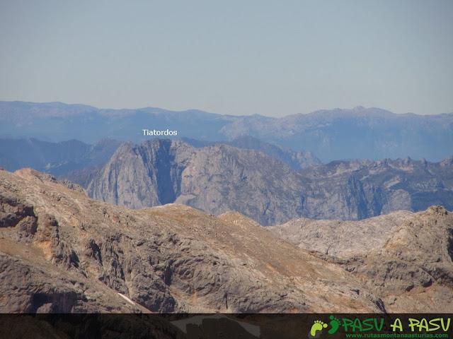 Vista del Tiatordos desde el Tiros Navarro