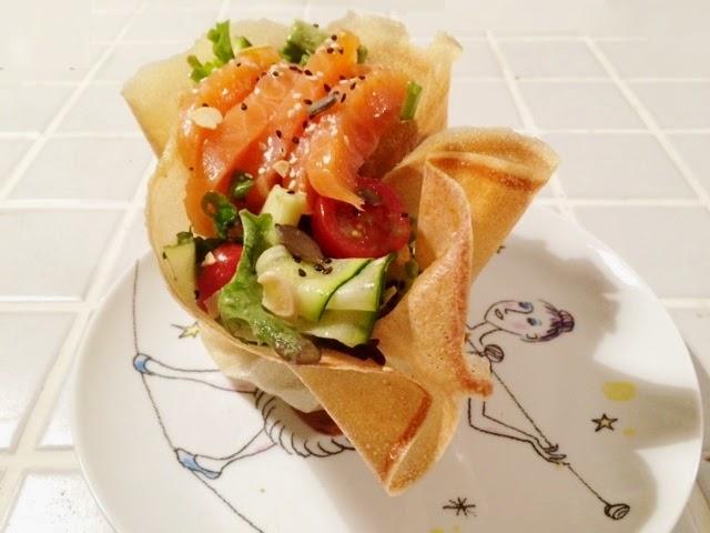 salade chic en coupelle de feuille de brick