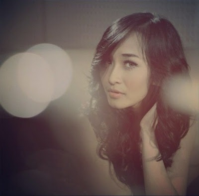 Lirik Lagu Rini Idol - Over Protective